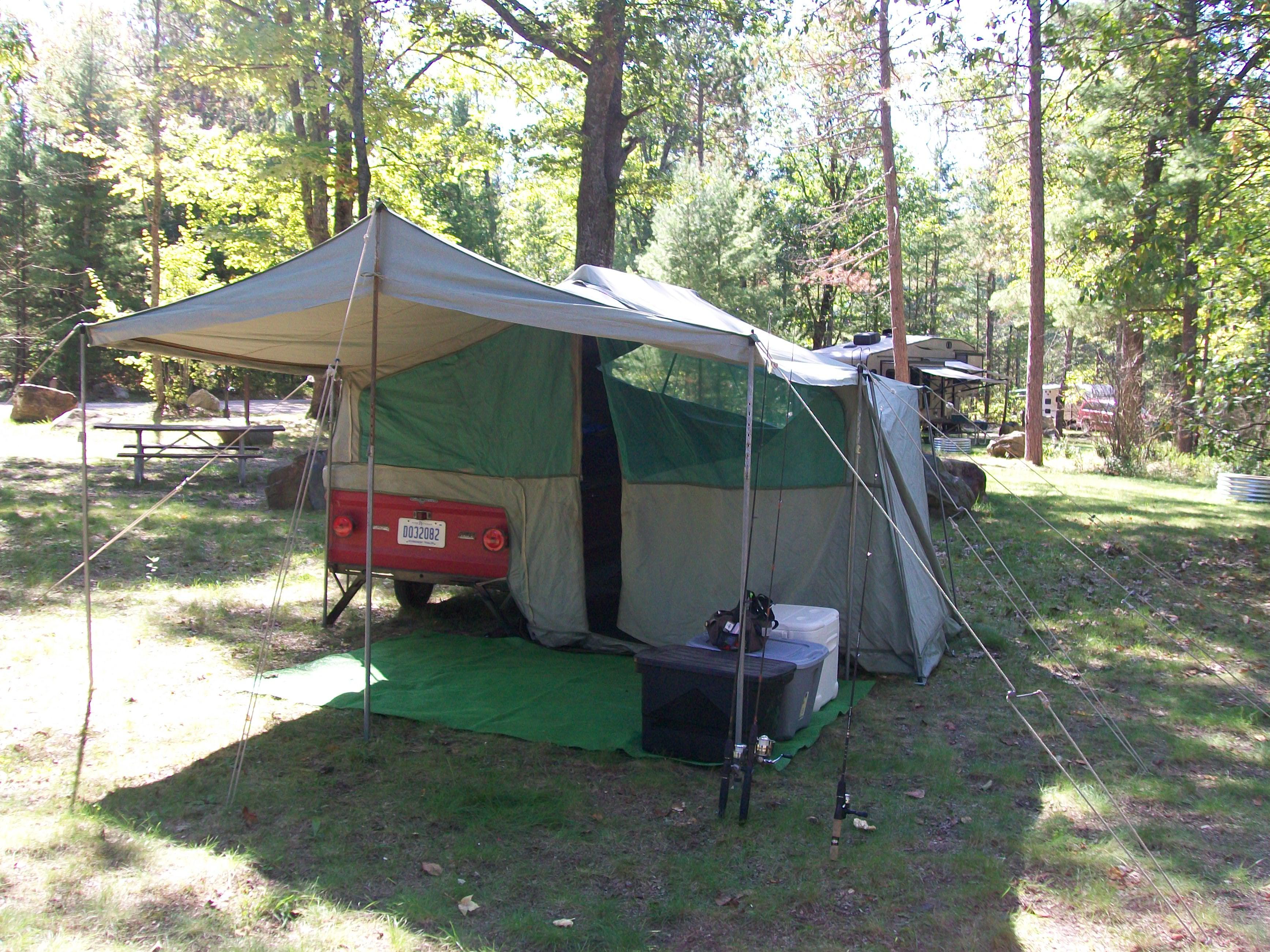 100_2354 & 1966 Apache Chief Camper | Fichigan